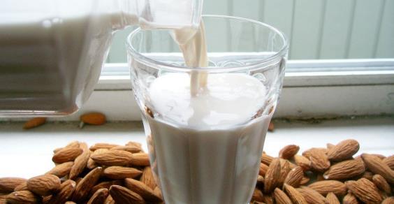 latte_di_mandorle_FB