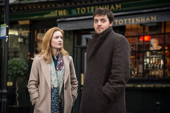 Farneticazioni a caldo sulle prime foto di Tom Burke e Holliday Grainger in The Strike Series